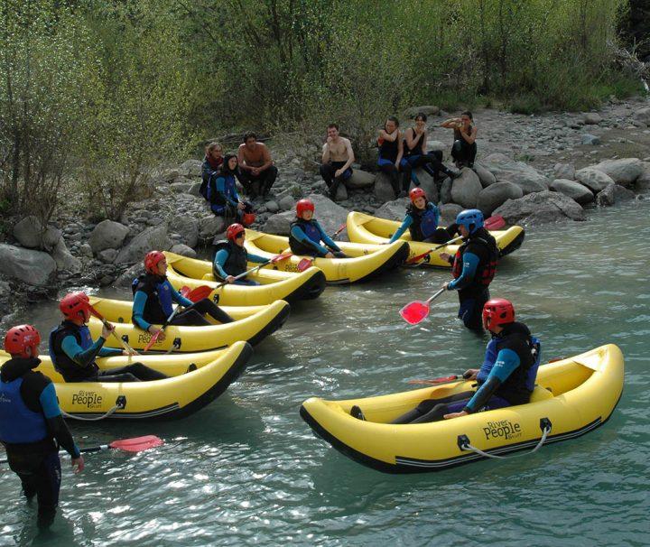 Canoas en el rio Ara en Ordesa