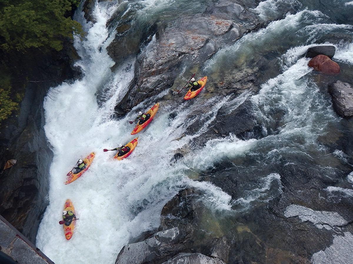 Guided Kayak Descent in Ordesa