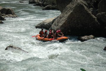 Rafting on the river Esera guided