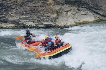 Rafting Rio Esera in Family