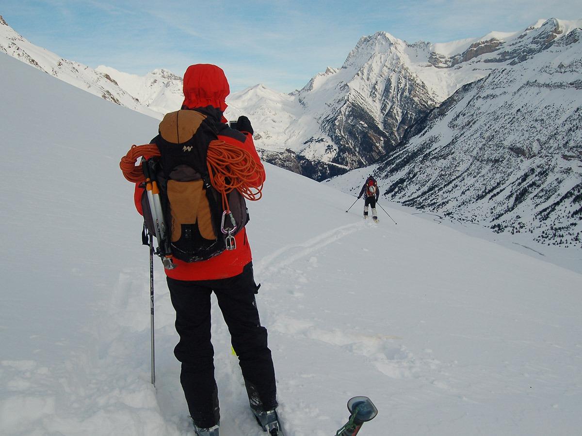 סקי הרים או קורס חניכה