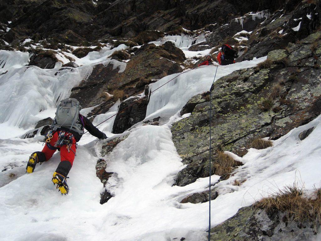 קורס מדריכי טיפוס הרים