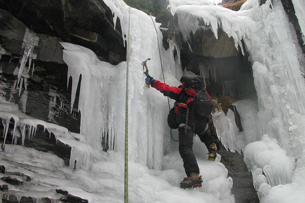 ice climbing torla guides course