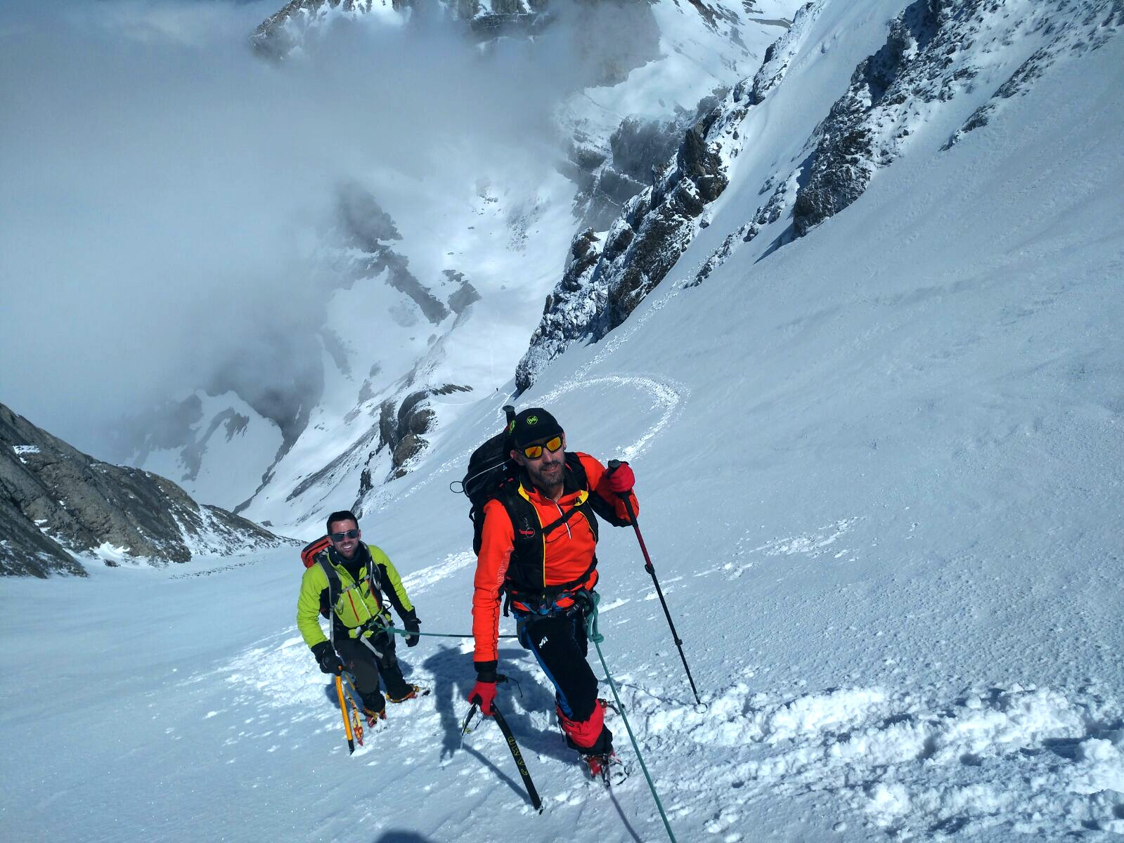 mountaineering course kings in valley of tena ordesa and pyrenees